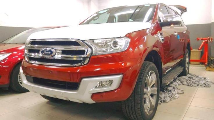 Chiếc Ford Everest 2015 thuộc phiên bản Titanium 4x4 hiện đang có mặt tại Việt Nam.