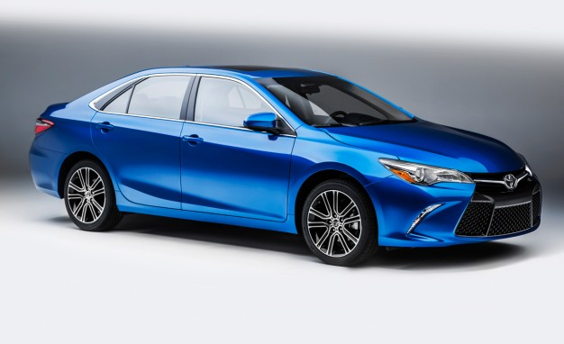 Xe Toyota Camry 2016