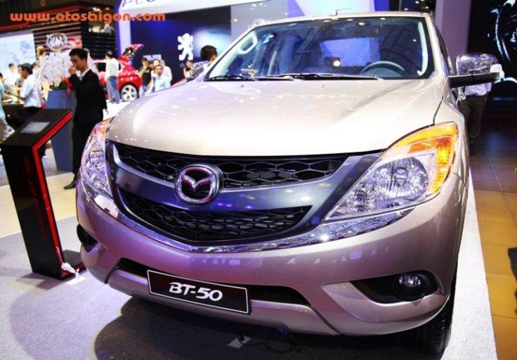Mazda BT 50 phiên bản cũ vẫn đang được bán tại Việt Nam phân phối bởi Thaco Trường Hải