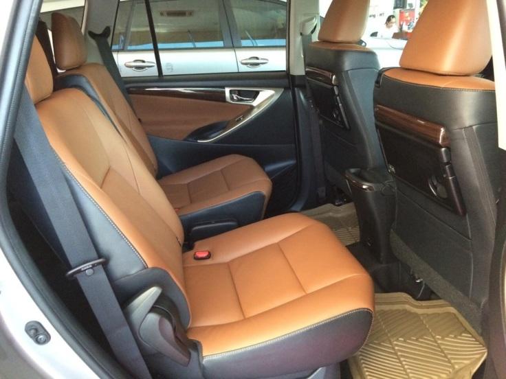 gia-xe-toyota-innova-2017-4.jpg
