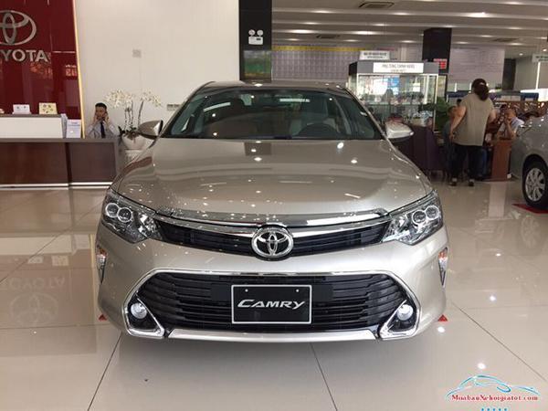 Đầu-xe-Toyota-Camry-2019-2020