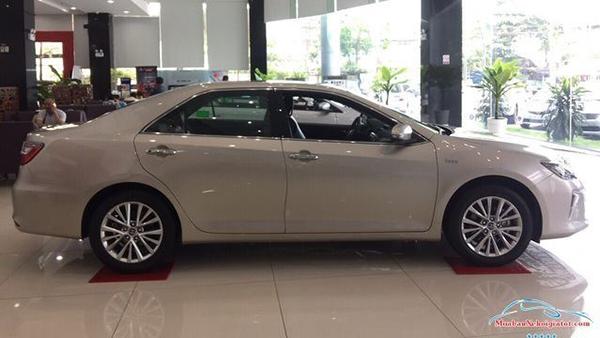 Thân-xe-Toyota-Camry-2019-2020