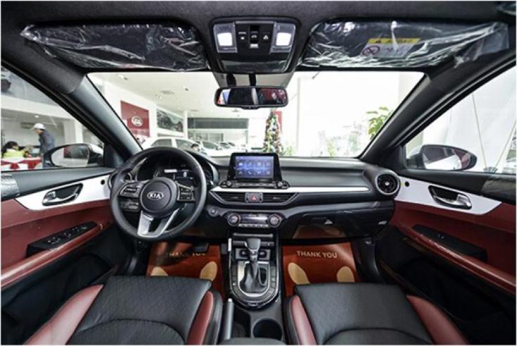Nội thất xe Kia Cerato 1.6AT 2020 ấn tượng